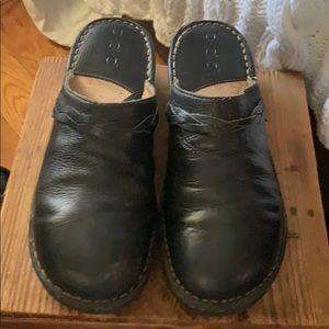 Size 10 BOC mule/clog